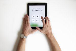 comunicare online